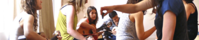 Altraforma, Centro de Musicoterapia, Terapia Gestalt y Formación les desea Felices fiestas!